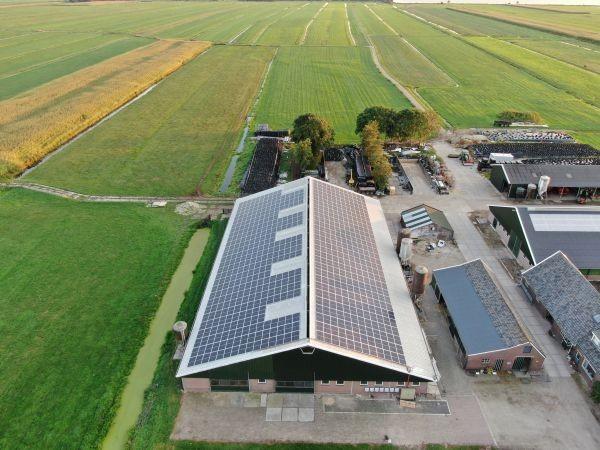 PV installatie op een boerderij