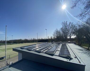 MB Zonnepanelen Bodegraven plat dak DMEGC zonnepaneel