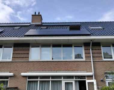 Plaatsing van zonnepanelen Leidschendam
